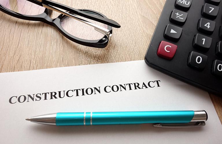 インドネシアの建設法に従う建設契約について